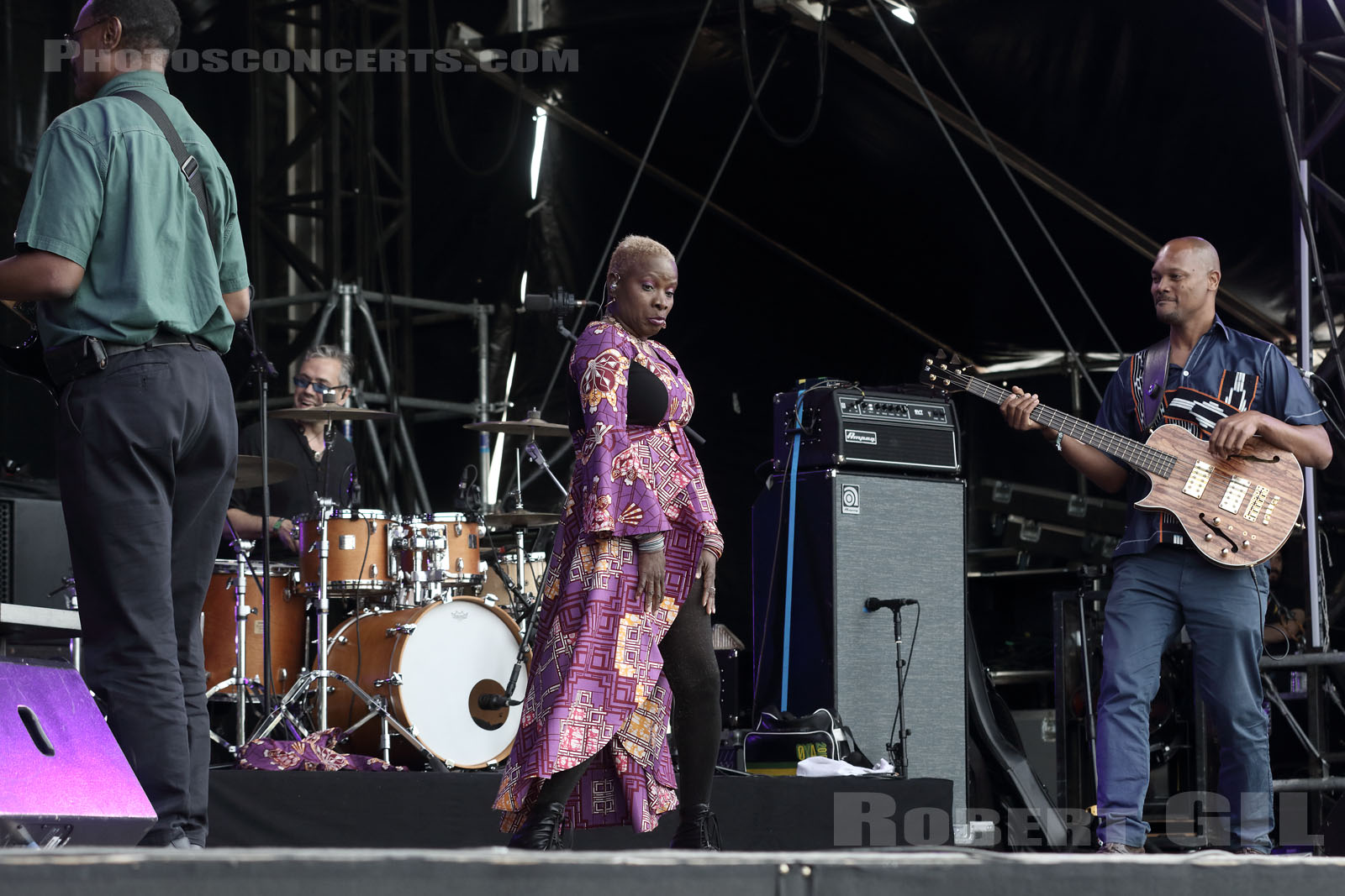 ANGELIQUE KIDJO - 2016-06-25 - PARIS - Hippodrome de Longchamp - Bagatelle