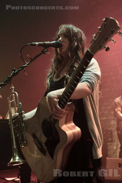 ANGUS AND JULIA STONE - 2010-05-08 - PARIS - Cafe de la Danse