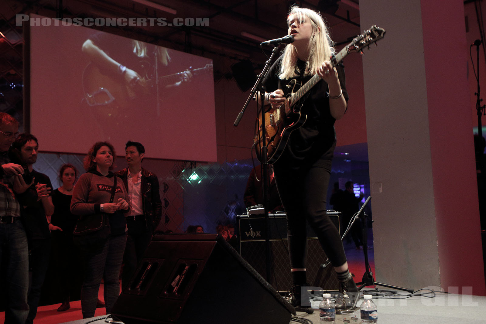 ANNA B SAVAGE - 2016-04-15 - PARIS - Gaite Lyrique
