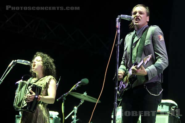 ARCADE FIRE - 2010-08-29 - SAINT CLOUD - Domaine National - Grande Scene