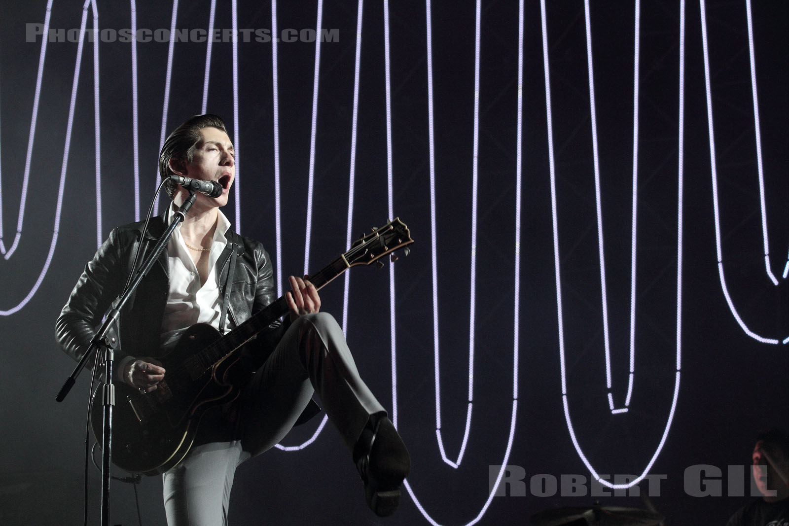 ARCTIC MONKEYS - 2014-08-22 - SAINT CLOUD - Domaine National - Grande Scene