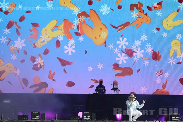 BAD BUNNY - 2019-07-21 - PARIS - Hippodrome de Longchamp - Main Stage 2