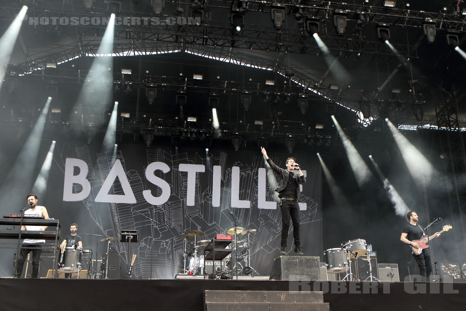 BASTILLE - 2016-08-26 - SAINT CLOUD - Domaine National - Grande Scene