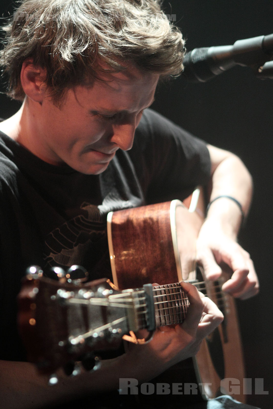 BEN HOWARD - 2010-05-08 - PARIS - Cafe de la Danse