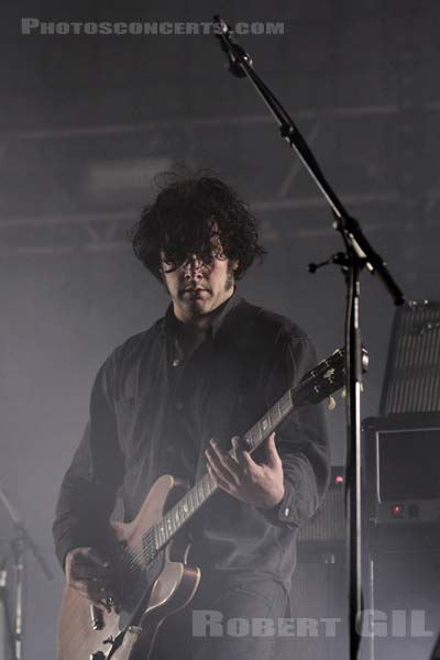 BLACK REBEL MOTORCYCLE CLUB - 2010-08-27 - SAINT CLOUD - Domaine National - Scene de la Cascade