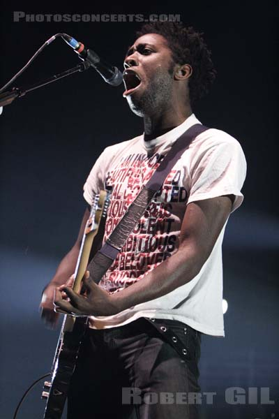 BLOC PARTY - 2005-11-14 - PARIS - Zenith