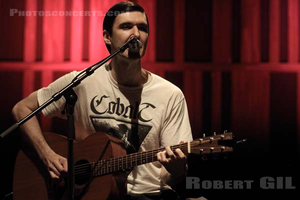 CHARLIE LOOKER - 2016-07-09 - PARIS - CentQuatre - Salle 400