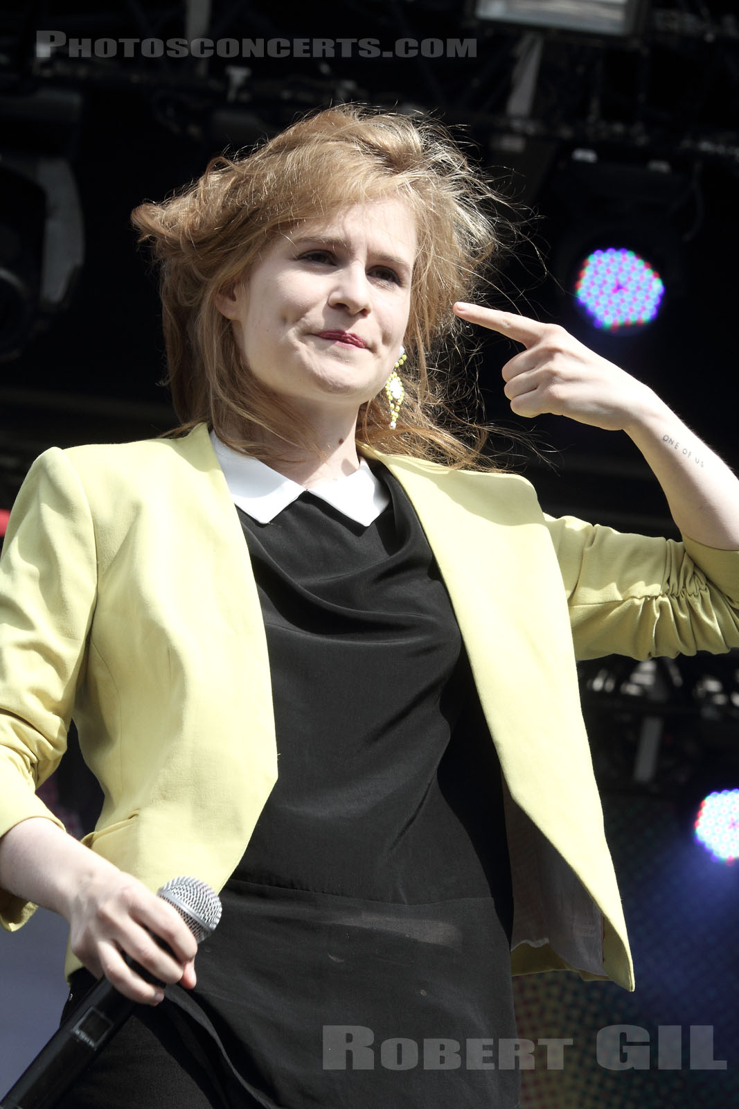 CHRISTINE AND THE QUEENS - 2012-07-20 - PARIS - Parvis de l'Hotel de Ville