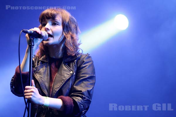 CHVRCHES - 2013-08-25 - SAINT CLOUD - Domaine National - Scene Pression Live