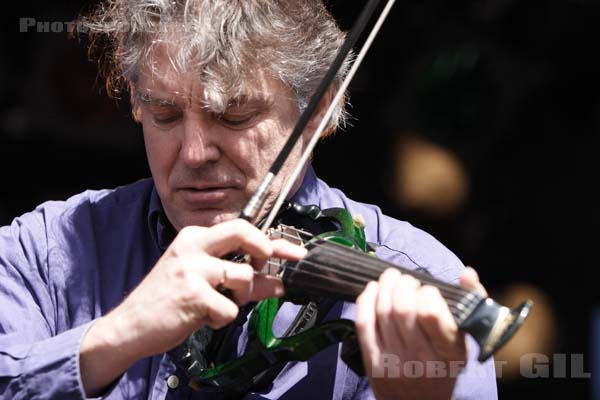 DIDIER LOCKWOOD - 2006-04-02 - PARIS - Place de la Republique