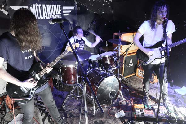 DZ DEATHRAYS - 2017-09-30 - PARIS - La Mecanique Ondulatoire