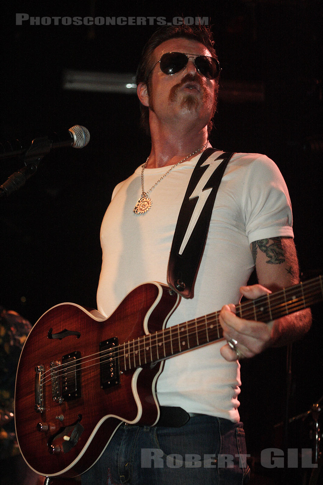 EAGLES OF DEATH METAL - 2006-08-30 - PARIS - Trabendo