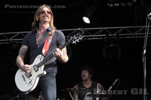 EAGLES OF DEATH METAL - 2009-08-30 - SAINT CLOUD - Domaine National - Grande Scene