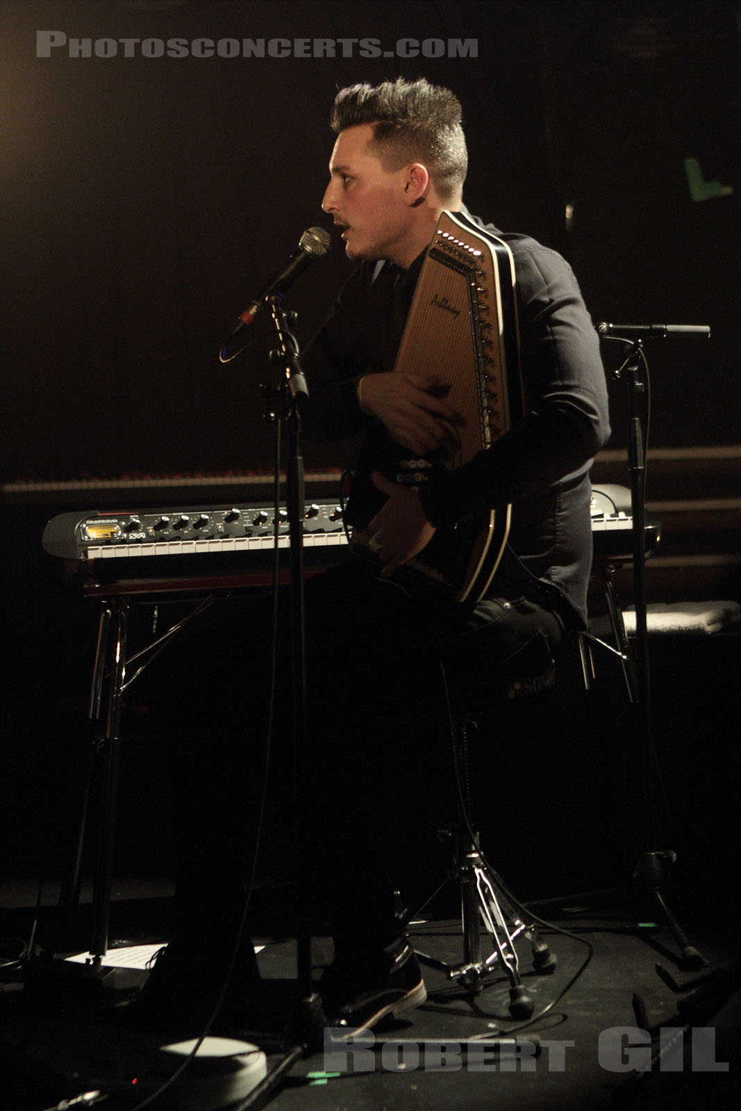 EDWARD BARROW - 2013-01-12 - PARIS - La Maroquinerie
