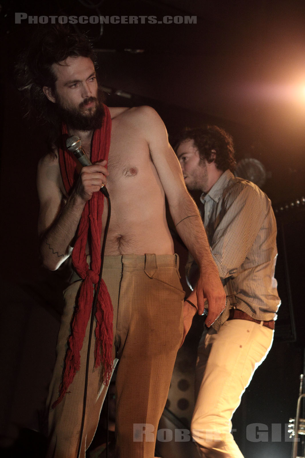 EDWARD SHARPE AND THE MAGNETIC ZEROS - 2009-08-27 - PARIS - Nouveau Casino