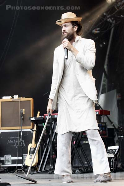 EDWARD SHARPE AND THE MAGNETIC ZEROS - 2011-08-26 - SAINT CLOUD - Domaine National - Scene Pression Live