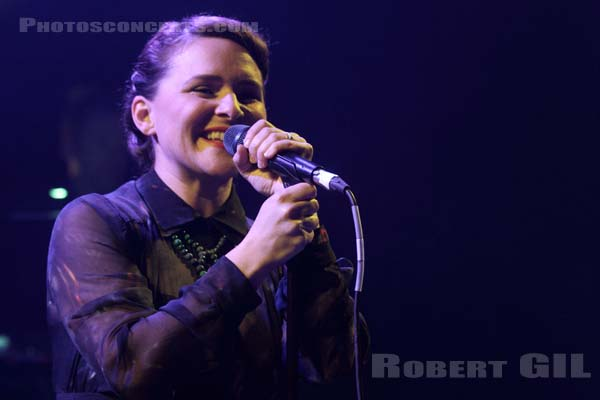 EMILIANA TORRINI - 2014-11-24 - PARIS - Trabendo