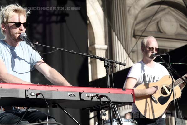 EWERT AND THE TWO DRAGONS - 2012-07-22 - PARIS - Parvis de l'Hotel de Ville