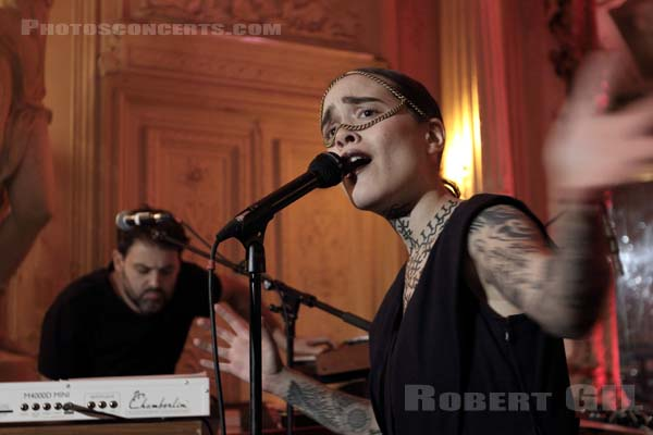 FLECHE LOVE - 2017-10-18 - PARIS - Le Carmen