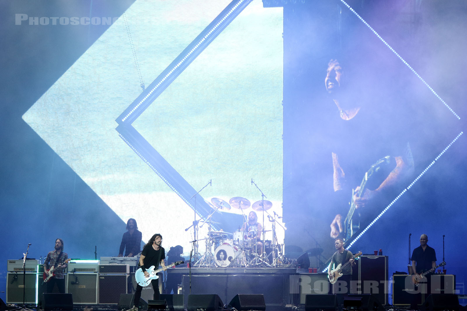FOO FIGHTERS - 2018-06-17 - BRETIGNY-SUR-ORGE - Base Aerienne 217 - Main Stage