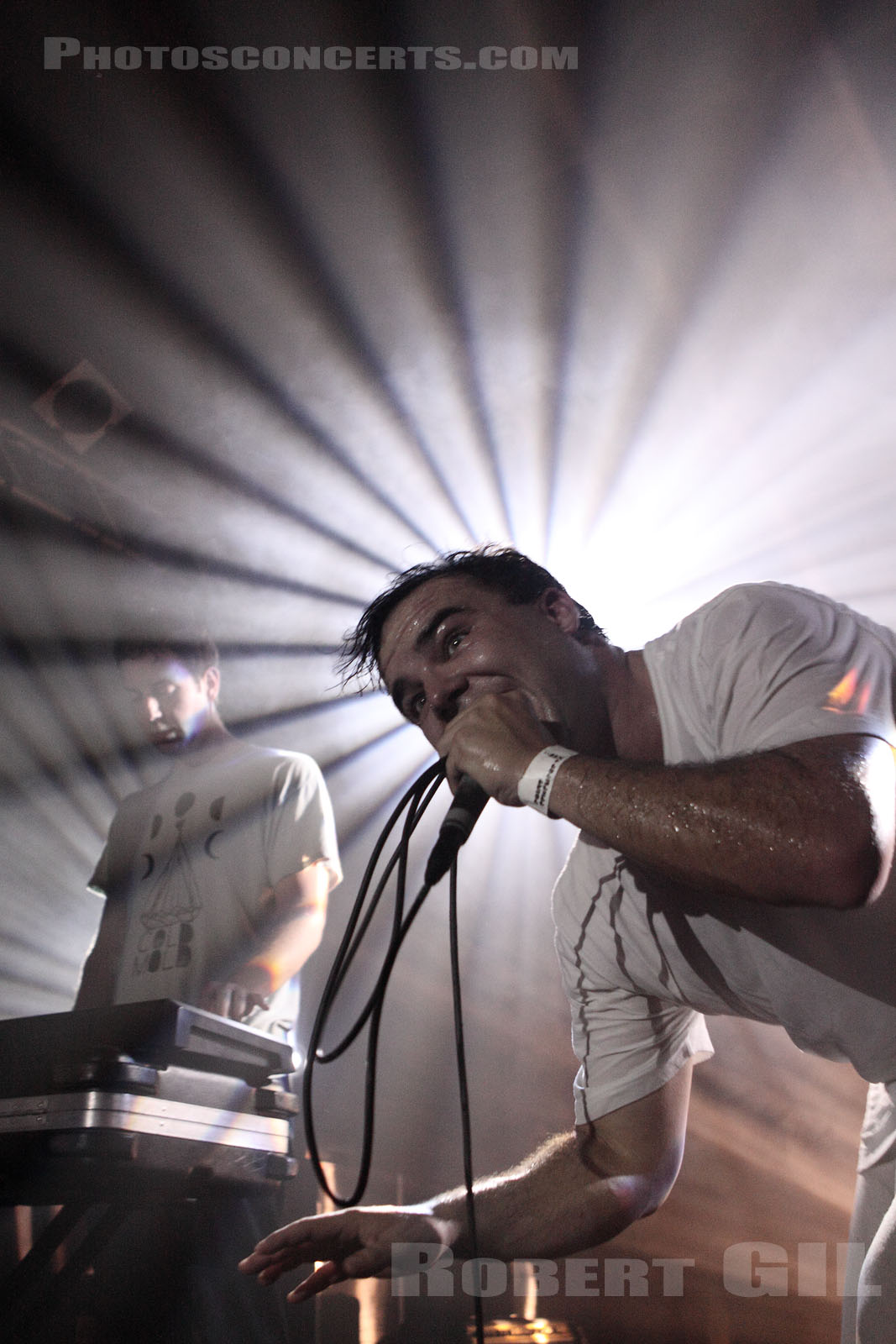 FUTURE ISLANDS - 2010-10-05 - PARIS - Point Ephemere