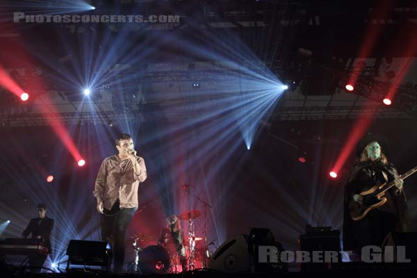 FUTURE ISLANDS - 2014-10-31 - PARIS - Grande Halle de La Villette