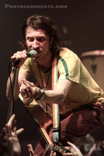 GOGOL BORDELLO - 2010-12-14 - PARIS - La Cigale