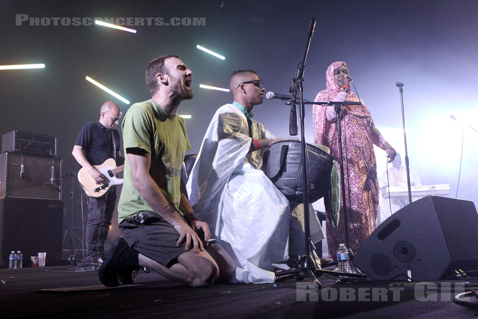 GROUP DOUEH - CHEVEU - 2017-05-26 - PARIS - Nef Nord - Grande Halle