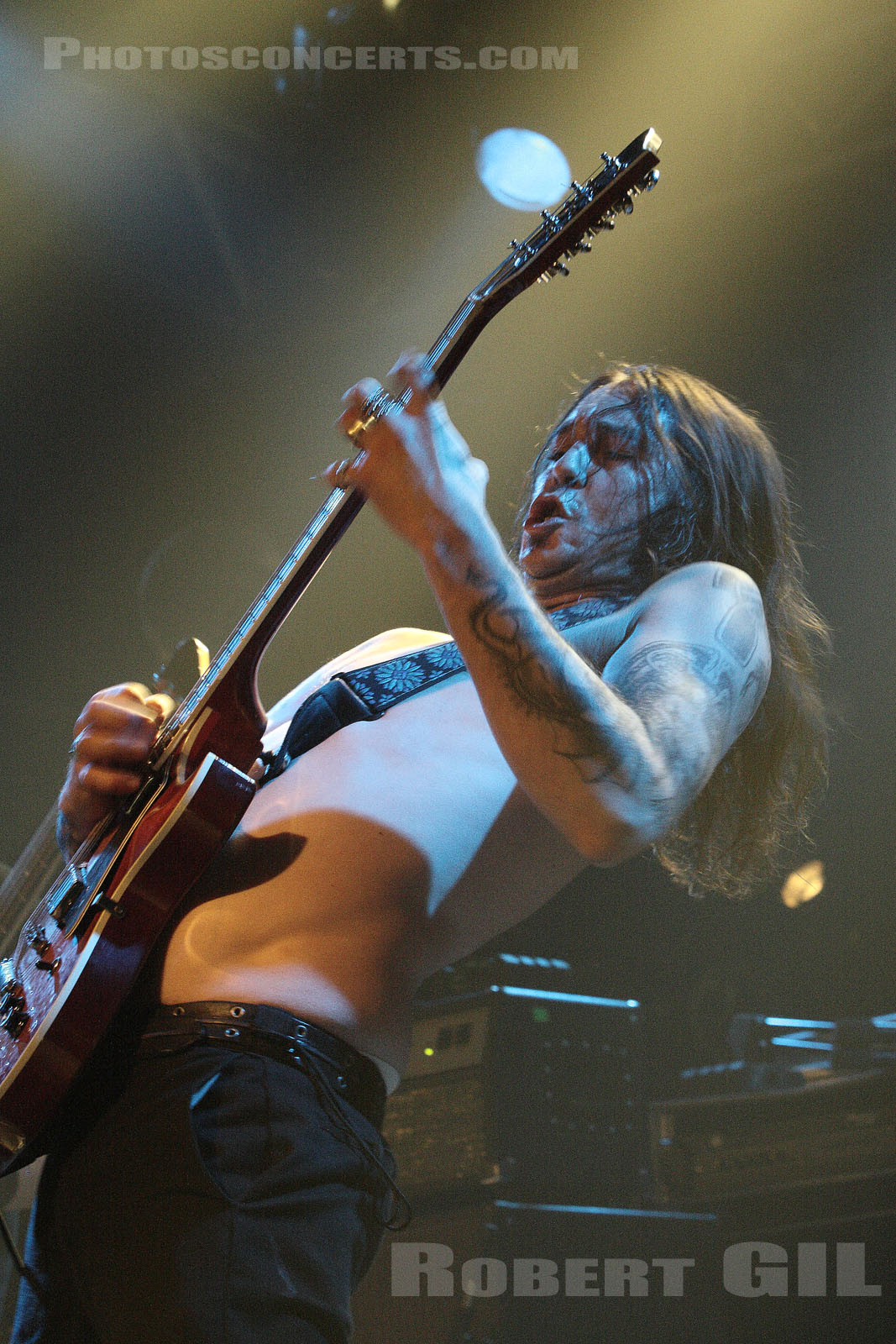HIGH ON FIRE - 2007-12-05 - PARIS - La Locomotive