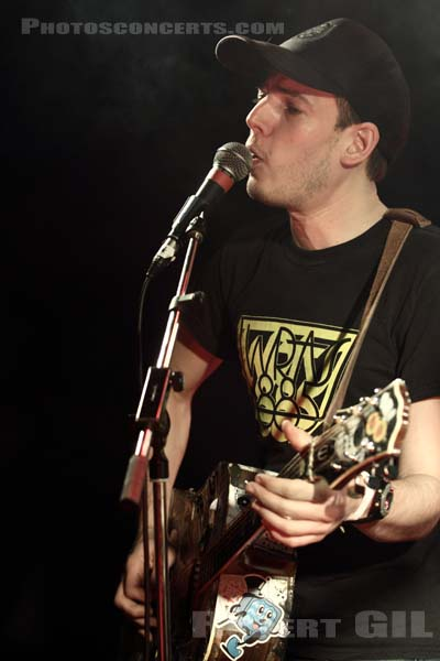 JEFFREY LEWIS AND THE RAIN - 2014-01-26 - SAINT OUEN - Mains d'Oeuvres