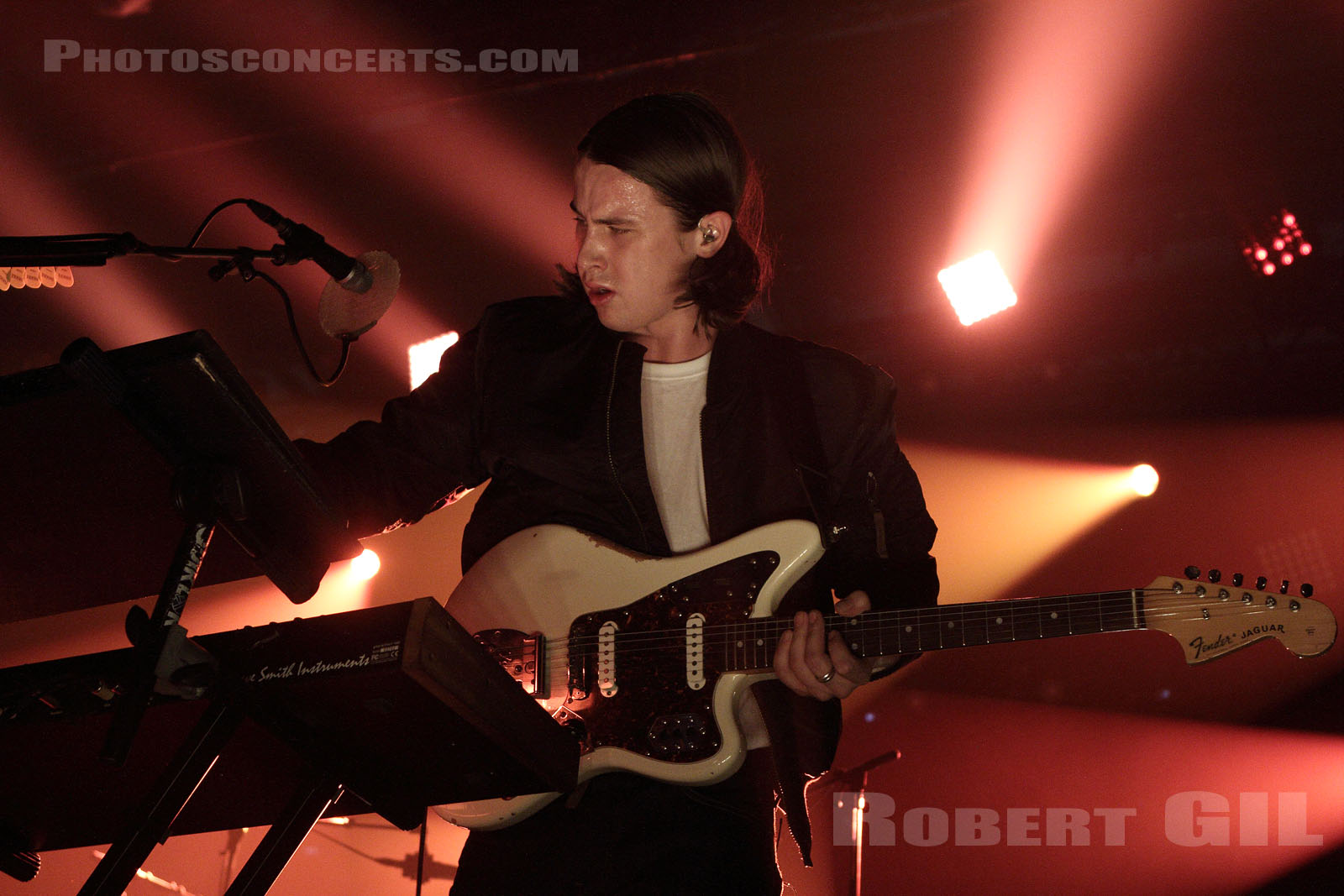 JUNGLE - 2014-11-01 - PARIS - Grande Halle de La Villette
