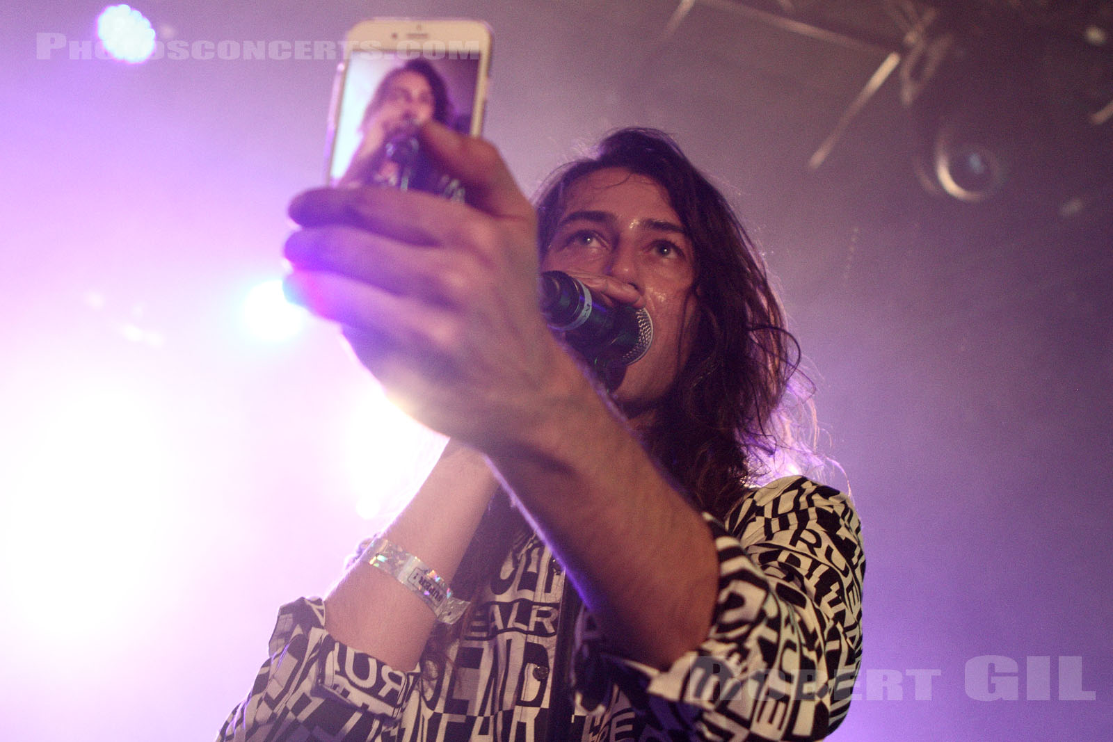 KINDNESS - 2014-10-29 - PARIS - Trabendo