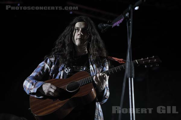 KURT VILE AND THE VIOLATORS - 2019-05-30 - NIMES - Paloma - Flamingo