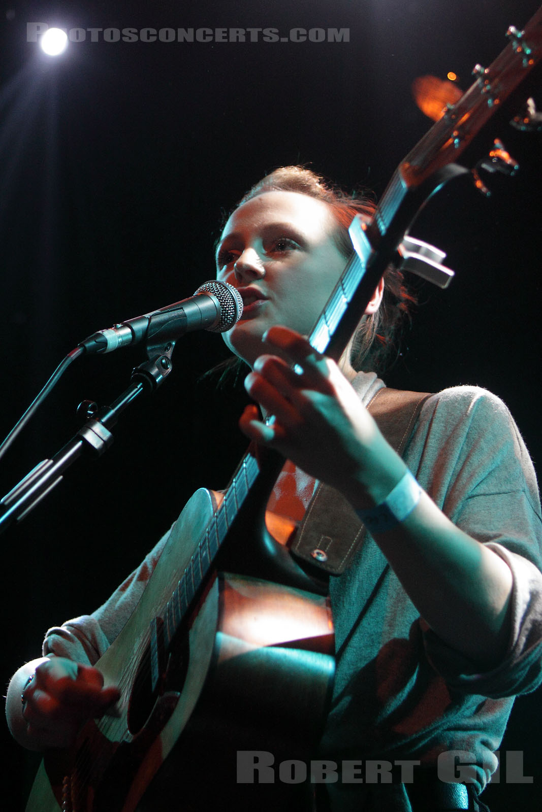 LAURA MARLING - 2010-04-07 - PARIS - La Fleche d'Or