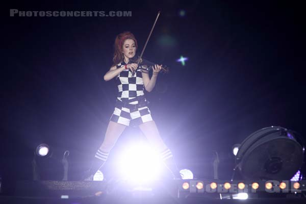 LINDSEY STIRLING - 2016-09-09 - LA COURNEUVE - Parc Departemental - Grande Scene