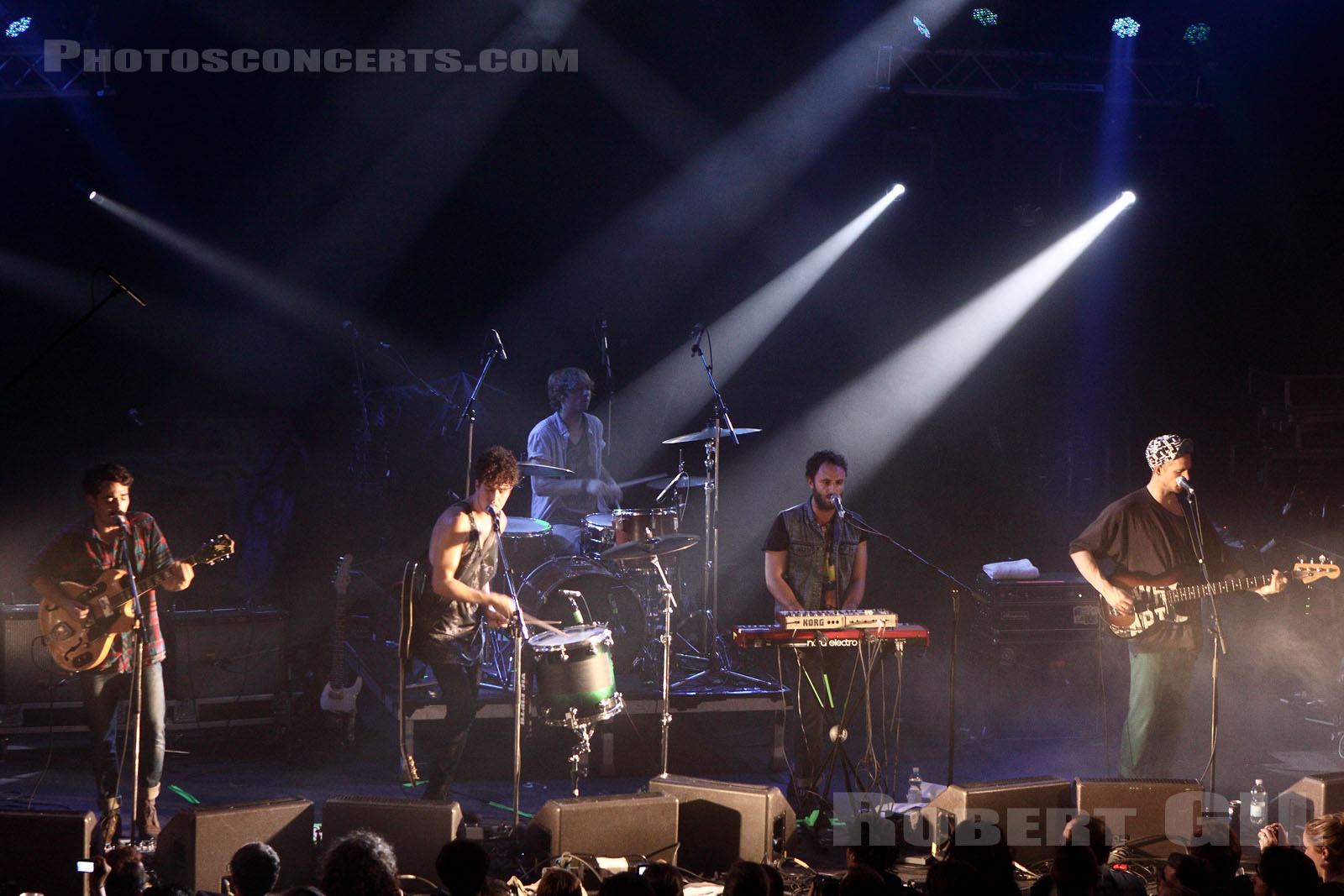 LOCAL NATIVES - 2010-11-06 - PARIS - La Cigale