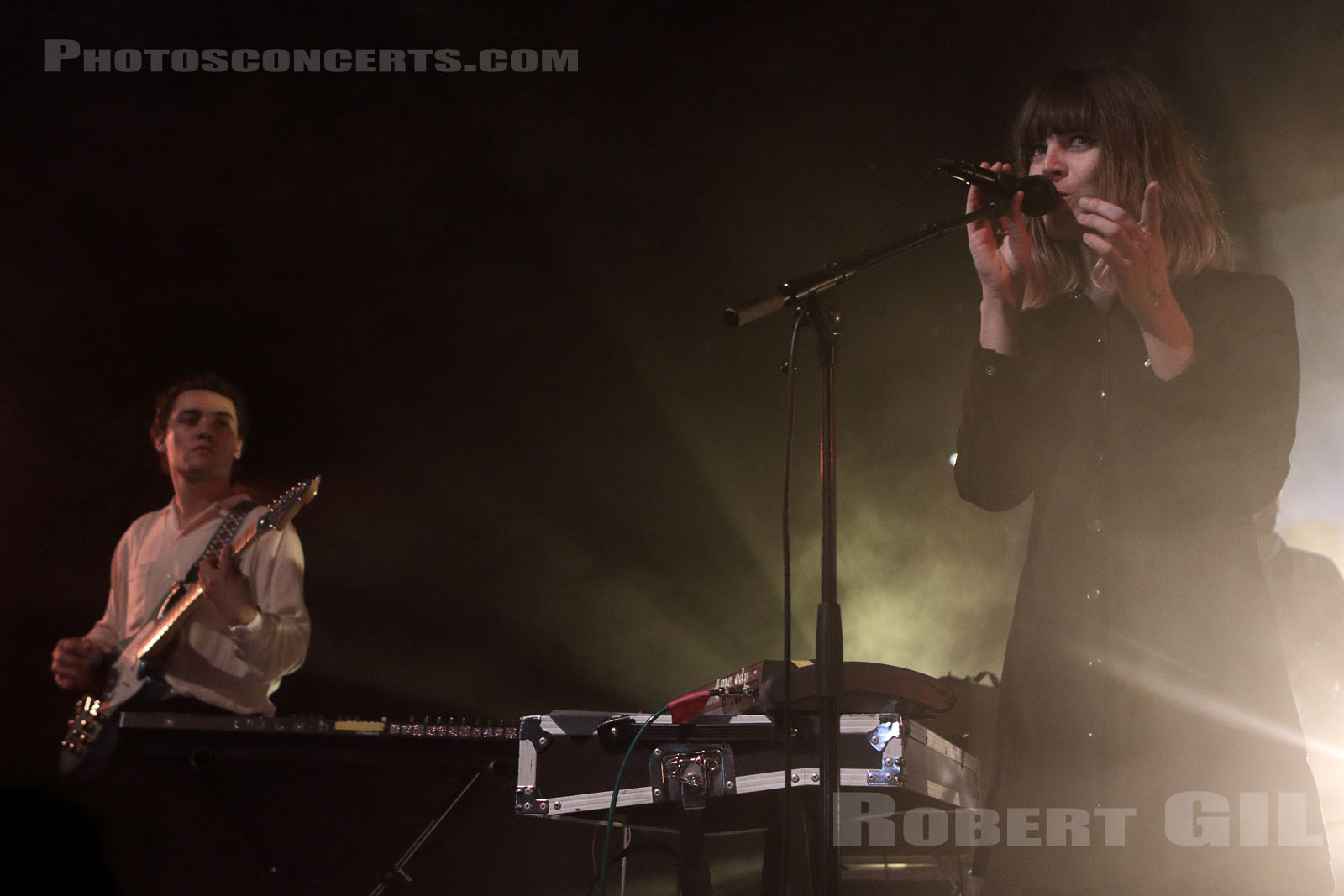 MELODY'S ECHO CHAMBER - 2015-09-19 - ANGERS - Le Chabada