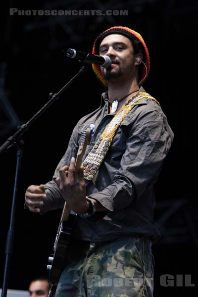 MICHAEL FRANTI AND SPEARHEAD - 2005-08-25 - SAINT CLOUD - Domaine National - Grande Scene