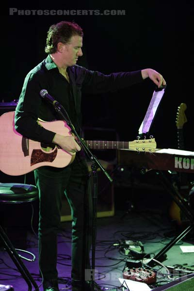 MICK HARVEY - 2005-09-08 - PARIS - La Maroquinerie