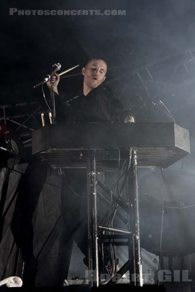 MIIKE SNOW - 2012-08-24 - SAINT CLOUD - Domaine National - Scene de l'Industrie