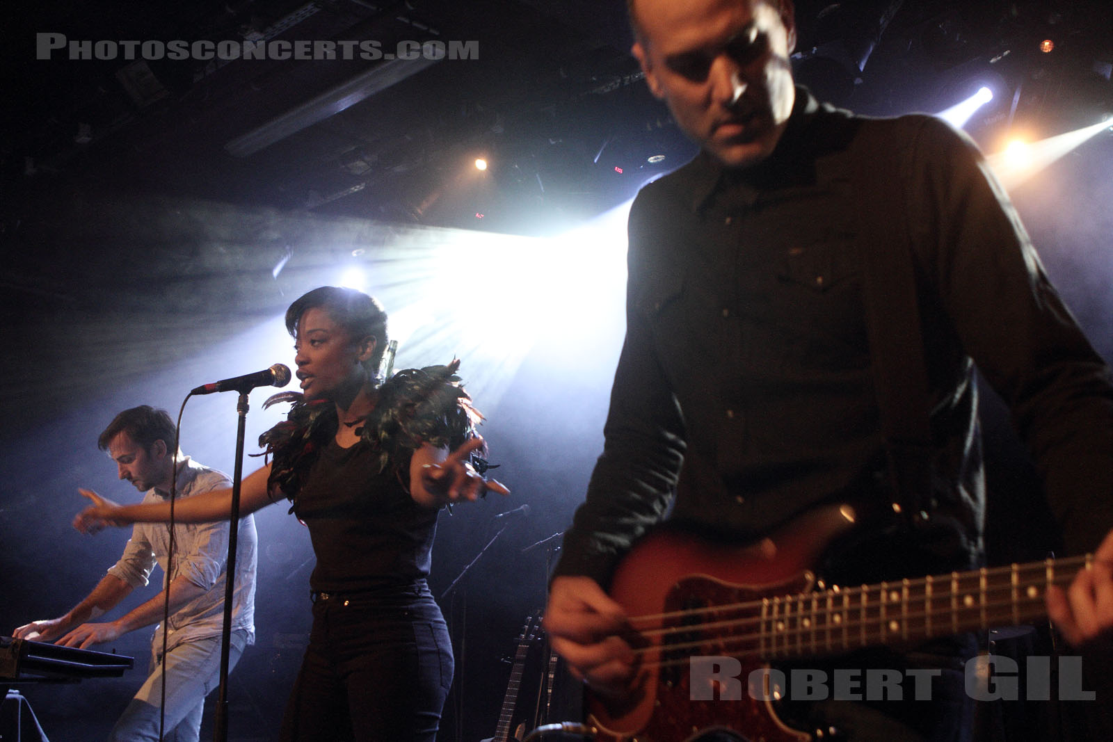 NICO AND THE RED SHOES - 2015-05-06 - PARIS - La Maroquinerie