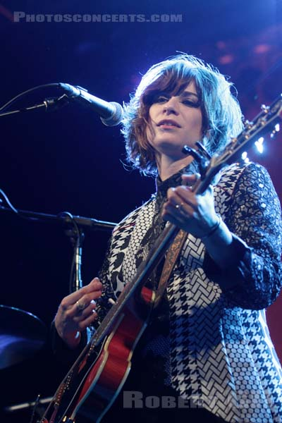 NICOLE ATKINS - 2013-04-25 - PARIS - Le Trianon