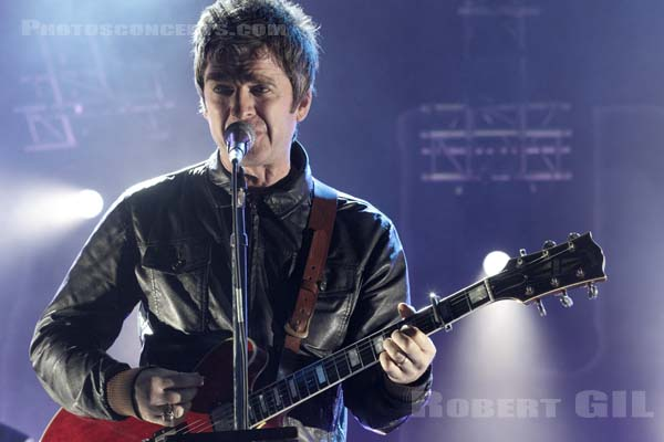 NOEL GALLAGHER'S HIGH FLYING BIRDS - 2015-06-23 - PARIS - Place de la Republique