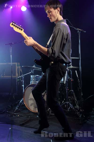 OUGHT - 2015-11-25 - PARIS - La Maroquinerie