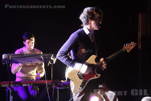 PARENTHETICAL GIRLS - 2008-12-11 - PARIS - Trabendo