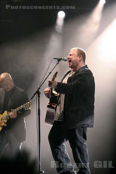 PIXIES - 2005-08-25 - SAINT CLOUD - Domaine National - Grande Scene
