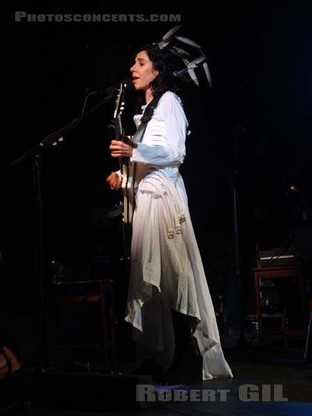 PJ HARVEY - 2011-02-14 - PARIS - La Maroquinerie