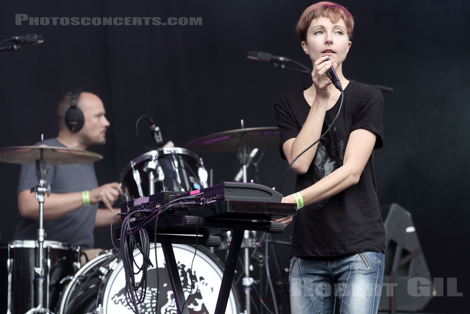POLICA - 2013-08-25 - SAINT CLOUD - Domaine National - Scene Pression Live