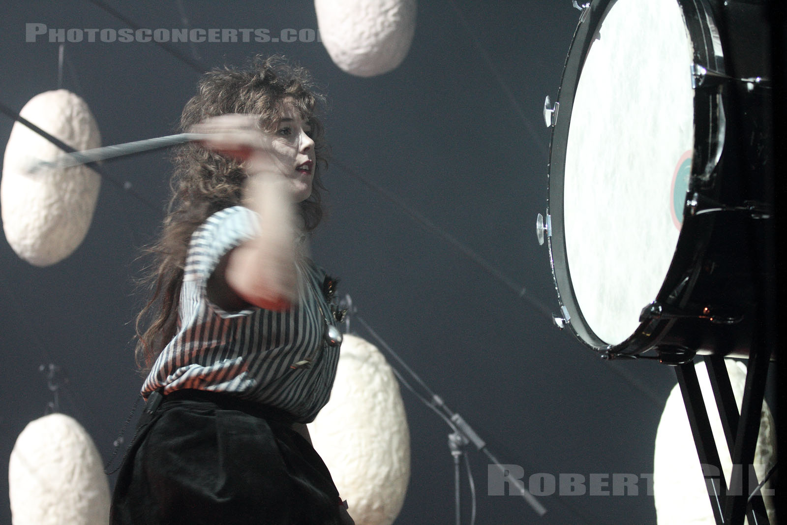 PURITY RING - 2012-11-03 - PARIS - Grande Halle de La Villette