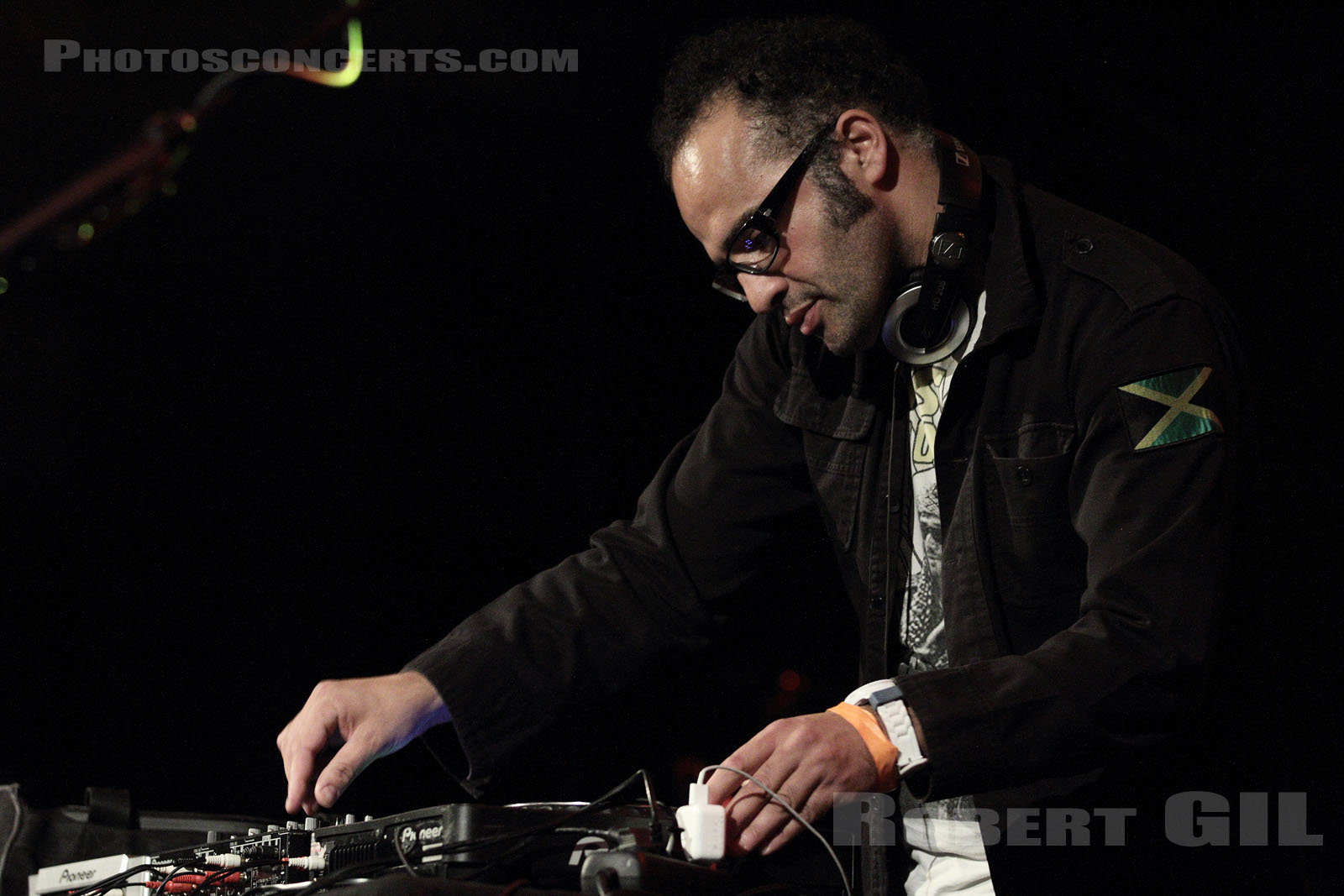RADIO SALAH - 2012-06-12 - PARIS - Le Trianon